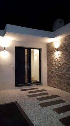 Entrance lighting with double detector beam . - Entrance lighting with double detector beam… – - Entrance lighting with double detector beam . - Entrance lighting with double detector beam… – - Modern Entrance, House Entrance, Entrance Ideas, Entryway Ideas, Entrance Lighting, Outdoor Lighting, Facade Lighting, Door Design, Exterior Design