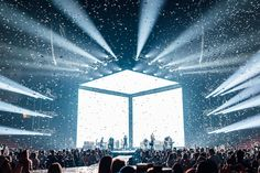 Stage Lighting Design, Stage Set Design, Church Stage Design, Bühnen Design, Cube Design, Facade Design, Hillsong United, Robert Kiyosaki, Spoken Word