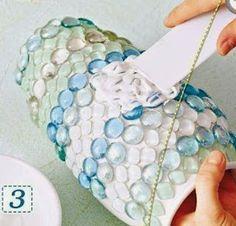 Solountip.com: Floreros decorados con gemas de vidrio