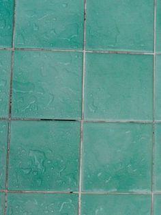 saubere fugen im Badezimmer mit einer Mischung aus Backpulver + Essig putzen