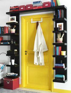 originelle Stauraum Ideen - Bücherregal rund um die Tür