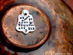 PUPPY PROPOSAL. Replace the dog tag with this and surprise her awwwee so sweet <3   DREAM PROPOSAL!  <3