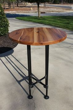 "Excellent ""high top tables bar"" info is offered on our web pages. Wood Furniture Store, Pipe Furniture, Industrial Furniture, Industrial Pipe, Industrial Design, Industrial Living, Vintage Industrial, Furniture Ideas, Bar Top Tables"