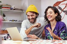 15 Virtual Icebreakers to Cheer Up Your Online Meetings - Slido Blog Fun Icebreakers, Leadership Activities, Activities For Adults, Team Games, Team Building Activities, Ice Breakers For Work, Meet The Team, Fun At Work, Funny Games