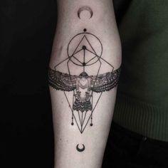 Minimal Geometric Tattoos by Okan UçKun - UltraLinx