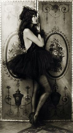 Dolores Costello - 1928 ~ silent film starlet..she's also Drew Barrymore's grandmother.