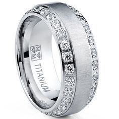 Check this pearl engagement ring set. The band features a flower motif. This is a white gold ring set that will age magnificently and make your happily ever after all the more spectacular. Best Men's Jewelry, Men's Jewelry Store, Man Jewelry, Jewelry Watches, Gold Jewelry, Jewelery, Ring Set, Ring Ring, Diamond Wedding Bands