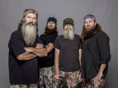 Duck Dynasty (TV show) Phil Robertson, Jase Robertson, Si Robertson, Willie Robertson.love these men = respect! Duck Dynasty Family, Duck Dynasty Cast, Dynasty Tv, Willie Robertson, Robertson Family, Bozo, Are You Serious, Duck Commander, Thing 1