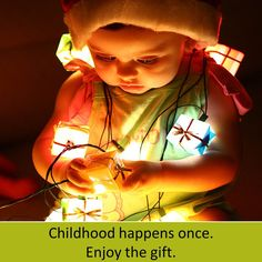 babies and christmas light photography. this is so cute(: