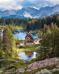 Sharing my obsessive love of rustic cabin life through photos and art I have collected. Please feel free to share - most of the photos. Beautiful World, Beautiful Places, Beautiful Pictures, Amazing Places, Landscape Photography, Nature Photography, Places To Travel, Places To Visit, Photos Voyages