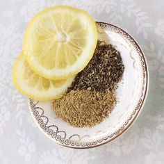 DIY Natural Beauty Products // Cruelty Free & Vegan Recipes // Homemade // Skin // Soap // Lip Balm // Body Scrub // Hair // Face masks // Clear out your pores with this DIY Tea Steam Facial Natural Facial, Natural Beauty, Diy Beauty Face, Lemon On Face, Facial Steaming, Beauty Secrets, Beauty Products, Body Products, Beauty Ideas
