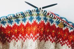 Triangles, Mittens, Friendship Bracelets, Diy And Crafts, Blanket, Knitting, Crochet, Threading, Fingerless Mitts
