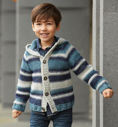 Boys Knitting Patterns Free, Knitting For Kids, Crochet For Kids, Baby Knitting, Knit Crochet, Hooded Cardigan, Cardigan Pattern, Baby Cardigan, Pull Bebe