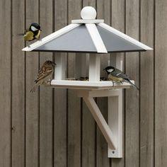 Wood Bird Feeder, Bird Feeder Plans, Garden Bird Feeders, Bird House Feeder, Modern Bird Feeders, Wooden Bird Houses, Bird Houses Diy, Bird Tables, Homemade Bird Houses