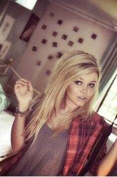 long blonde hair love <3 I want this again