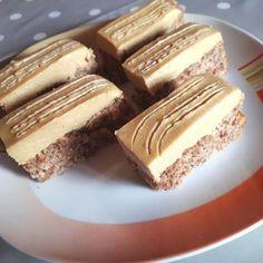 Bakacsók, ez a krém annyira finom, hogy bármilyen süti csodás lenne vele! - Egyszerű Gyors Receptek Hungarian Desserts, Hungarian Recipes, Donut Muffins, Morning Glory Muffins, Cake Bars, Sweet Recipes, Cake Recipes, Dessert Recipes, Muffins Blueberry