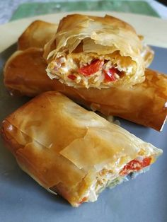 Greek Recipes, New Recipes, Pizza Tarts, Greek Pita, The Kitchen Food Network, Spring Rolls, Appetisers, Finger Foods, Food Network Recipes