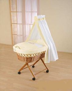 'Fairytale' Natural Wicker Moses Basket on Wheels - 'Baby' FREE DELIVERY!