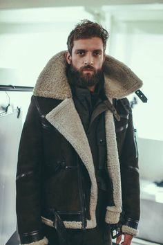 over-sized shearling lined motorcycle 'Bridlington' jacket by Belstaff Men's Fashion, Winter Fashion, Fashion Outfits, Beckham, Peau Lainee, Raining Men, Street Style, Shearling Jacket, Men Street