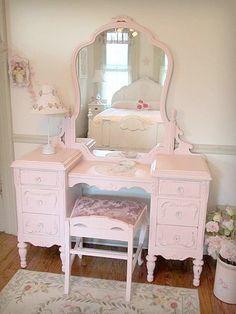 Pink vanity <3 I've always wanted one