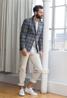 Men's clothing class – the basics of a winning look in 70 images - Mode et Beaute Stylish Mens Fashion, Mens Fashion Blog, Latest Mens Fashion, Men's Fashion, Fashion Styles, Fashion Outfits, Costume Gris, Classy Street Style, Male Fashion Trends