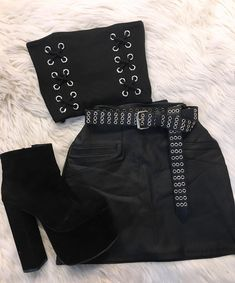 LOOK IKA🔥🔥 We are open 🌹 Quilmes centro Lavalle 729 1roF 🌹 Teen Fashion Outfits, Kpop Outfits, Edgy Outfits, Grunge Outfits, Korean Outfits, Night Outfits, Outfits For Teens, Summer Outfits, Cute Outfits