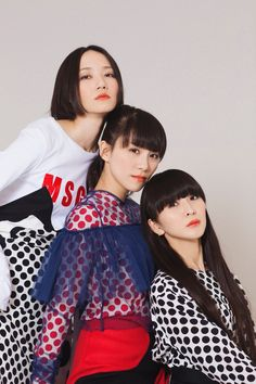 Touring With Perfume, The Most Popular Girl Group In Japan Perfume Glamour, Perfume Versace, Hermes Perfume, Rose Perfume, Perfume Tommy Girl, Perfume Good Girl, Perfume Calvin Klein, Fashion Clothes