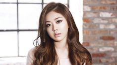 "Ladies' Code's Kwon Rise Shows Off ""Art Makeup"" Kwon Ri Se, Song Daehan, Fandom, Kpop, Bright Stars, Korean Celebrities, Passed Away, The Wiz, Pop Group"