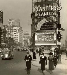 46th street, 1936, New York.