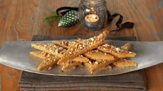 BRUNE PINNER Recipe Boards, Candy Recipes, All Things Christmas, Cinnamon Sticks, Carrots, Spices, Thanksgiving, Baking, Vegetables