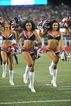 Cheerleading, New England Patriots Cheerleaders, Professional Cheerleaders, Cheerleader Costume, Ice Girls, Hot Cheerleaders, Girl Costumes, Sport Girl, Sports Women