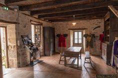 Merle, La Dordogne, Tours, Fantasy, Photos, Home Decor, Forest Landscape, Pictures, Decoration Home