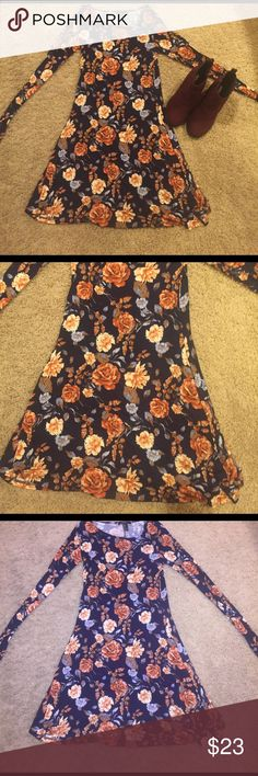 🌺 Long Sleeve Floral Print Dark Blue Dress NWOT Never worn long sleeve dark blue flower dress with flower print details. Very soft and gorgeous for so many occasions! Dresses