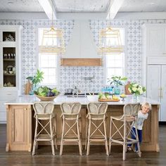 These beach house kitchens are absolutely amazing—and we have the tips and tricks for designing your own dream kitchen. Get ready for major kitchen Beautiful Kitchens, Cool Kitchens, Dream Kitchens, New Kitchen, Kitchen Decor, Country Kitchen, Vintage Kitchen, Kitchen Furniture, Hidden Kitchen