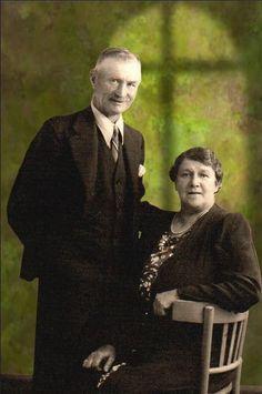 THOMAS & NELLIE HUTCHISON, 9 ANDREW STREET, LOCHGELLY, FIFE, SCOTLAND.