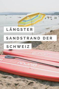 Der längste Sandstrand der Schweiz in Salavaux am Murtensee. Im Sommer bieten die Schweizer Seen viel Abklühlung. Baden am See. Camping Am See, Seen, Strand, Switzerland, Beautiful Places, Europe, Explore, World, Blog