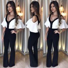 Camisa Ciganinha Branca; Calça Flare Preta
