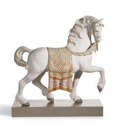 01012497  CABALLO CORTESANO   Año de lanzamiento: 2006  Escultor: Alfredo Llorens  Medidas: 42x40 cm  Peana incluida