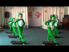 Танец лягушат - YouTube Costume, Songs, Videos, People, Art, Musica, Black Lights, Russia, Art Background