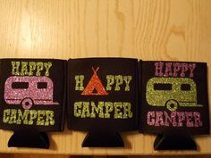 Camper Koozies Shona – Dearaí campa ag My Vinyl Designs. Cricut Vinyl, Crafts To Sell, Fun Crafts, Silhouette Cameo Projects, Cricut Creations, Vinyl Crafts, Vinyl Designs, Diy Gifts, Crafty