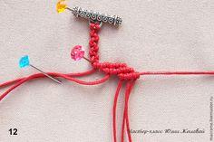 Сегодня предлагаю сплести браслет узором, который в макраме называется 'меандр'. Идея этого узора встречается ещё в книгах, изданных в советское время, я же сделала на его основе ажурный браслет с добавлением бусин. Мастер-класс рассчитан на начальный уровень владения макраме. В основном, браслет сплетён репсовым узлом, также используются простой узел и крепления замочком внутрь, простое и расшиненное.