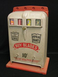 145: VINTAGE 10 CENT RAZOR BLADE VENDING MACHINE : Lot 145 Vintage Candy, Vintage Type, Vintage Tools, Vintage Decor, Vintage Antiques, Le Cordon, Gumball Machine, Machine Design, Vintage Advertisements