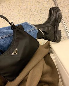 Find tips and tricks, amazing ideas for Prada handbags. Discover and try out new things about Prada handbags site Bag Sewing, Louis Vuitton, Nylon Bag, Clutch, Cute Bags, Luxury Bags, Luxury Handbags, Saris, Jordan