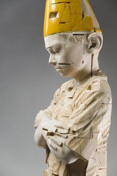 Gehard Demetz - Contemporary Artist - Wood Sculpture - Your Sweat is salty - 2005 Sculptures Céramiques, Art Sculpture, Pottery Sculpture, Abstract Sculpture, Bronze Sculpture, Ceramic Figures, Ceramic Art, Contemporary Sculpture, Contemporary Art