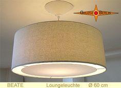 Loungeleuchte BEATE Ø 60 cm, Pendellampe mit Lichtrand und Baldachin. Hellbeige als schlichte Farbe und den sanften Schimmer der Bouretteseide. Elegance pur.