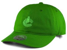 Vancouver Canucks Mitchell & Ness NHL Rainbow Adjustable Cap
