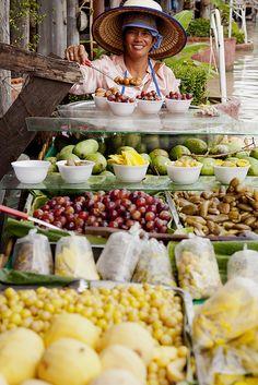 Pattaya Floating Market/ตลาดน้ำ ๔ ภาค พัทยา, Pattaya, Chonburi, Thailand Laos, Thailand Travel, Asia Travel, Bangkok, Places Around The World, Around The Worlds, Street Food Market, Fresh Fruits And Vegetables, Thai Recipes
