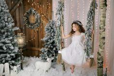 Newborn Christmas, Christmas Couple, Christmas Minis, Babies First Christmas, Christmas Photos, Christmas Themes, Christmas Decorations, Xmas, Minimalist Christmas Tree