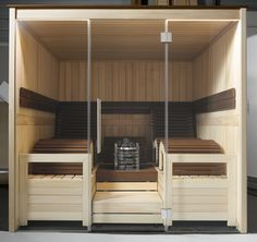 Be enchanted by the beautiful MOCCA sauna cabin that will awaken all of your senses with its mix of light pine and dark thermo-treated beech. The exclusive design is accentuated by the vertical solid wood panelling.