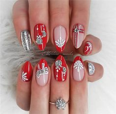 The Easy And Simple Christmas Nail Art Ideas ;#christmasnails#nailsart